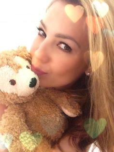 Thalia with Disney's Duffy Bear. Thalia, Selfies, Disney Bear, Hollywood Life, Big Family, Duffy, Female Singers, Loving U, Idol