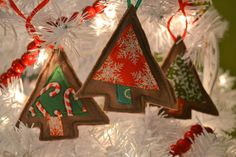 Simple Sewing Project: scrappy tree ornaments