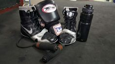 Nike machomai boxing shoes and twins boxing gloves