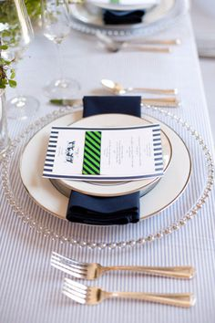 place setting...in love with that kelly green + navy striped ribbon!