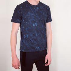 The Valentino Deep Blue Camubutterfly T-Shirt is paired here with the Balmain Dark Blue Ribbed Panel Biker Sweat Pants. #balmain #balmainparis #balmainarmy #balmainbiker #olivierrousteing #sweatpants #valentino #valentinogaravani #valentinobutterfly #valentinocamubutterfly #camubutterfly #valentinocamo #maisonvalentino #luxuryfashion #fashion #style #mens #menswear #mensfashion #mensstyle #luxury #zoo #zoolife #zoofashions #zoofashions #aw15 #fw15