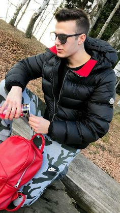 Cool Jackets, Winter Jackets, Mens Down Jacket, Black Down, Stylish Mens Outfits, Hot Boys, Moncler, Leather Pants, Menswear