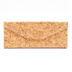 Nachhaltiges Brillenetui «Triangle» aus Kork – Veganes Etui aus Kork Cork Fabric, Glasses Case, Vegan Leather, Vegan Lifestyle, Eco Friendly, Sunglasses, Storage, Products, Vegan Fashion