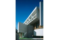 Médiathèque F. Mitterrand/ BMVR Poitiers / 1996 / 8 000m² / Architectes :Hervé et Laurent Baudoin, Sylvain Giacomazzi
