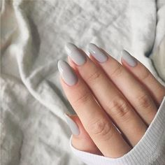 ideen CND – Cityscape You are in the right place about almond nails vino Here we offer you the most beautiful pictures about the almond nails ideas you are looking for. When you examine the ideen CND – Cityscape part of the picture you can get the … Nail Lacquer, Nail Polish, Nail Nail, Cnd Nails, Feet Nails, French Nails, Nagellack Trends, Minimalist Nails, Dream Nails