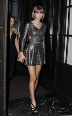 Taylor Swift Sings & Dances with Todrick Hall at Calvin Harris' Show!: Photo Taylor Swift looks absolutely amazing after having dinner with her best friend Britany LaManna at Spago restaurant on Friday (March in Beverly Hills, Calif. Taylor Swift Hot, Style Taylor Swift, Beverly Hills, Taylor Swift Pictures, Mini Skirts, Celebs, Street Style, Lady, Outfits