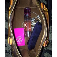 Check out @jaacqueliine_3 rockin' her Bubblegum Pink Poke A Bowl® Travel Box™ in her purse! The only odor proof bowl & pipe cleaning ashtray with a lid that will Clean Your Ash Hole® at home or on the go! PokeABowl.com (with every purchase of $19.95 or more you're automatically entered to win 2 passes to this years Denver Cannabis Cup!