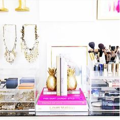 22 Photos Of Makeup Organization Any Beauty Lover Will Appreciate Fireplace Update, Diy Fireplace, Fireplace Remodel, Mantle, Jewelry Organization, Organization Hacks, Organizing, Jewelry Storage, Pineapple Pictures