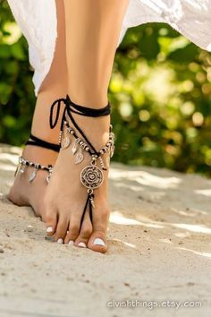 Black barefoot sandals Beach wedding anklet Gothic jewelry Foot jewelry Beaded barefoot sandal #footless sandals Soleless sandals Bottomless by Elvish Things #anklets #footlesssandals