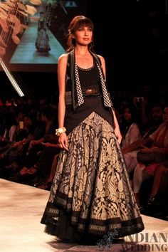 TARUN TAHILIANI'S ETHEREAL SUMMER RESORT COLLECTION {LAKME FASHION WEEK 2014}