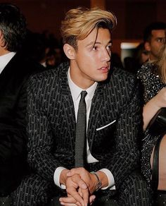 Cameron Dallas looks like a model