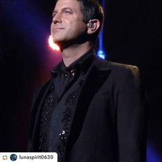 Wow @lunaspirit0630  stunning photo thanks for sharing  @lunaspirit0630:@sebdivo in Chicago 10/22/16 Amor y Pasion tour