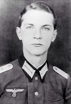Ewald Heinrich Von Kleist  Volunteered to assassinate Hitler { 1922 - 2013 }   REST IN PEACE