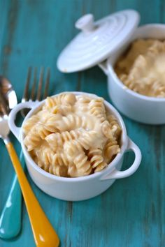 Single Girl Mac and Cheese is 1 portion of protein packed ultra decadent Macaroni and Cheese, for those nights you just need that cheesy pasta fix!