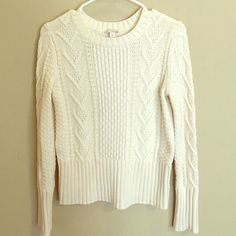 Gap sweater 40% cotton, 35% polyester, 25% wool. Very good condition! GAP Sweaters Cowl & Turtlenecks