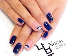 Looks good with one nail done in a French tip.