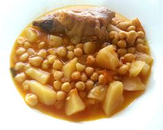 Zuppa di ceci e patate #ricettedisardegna #sardegna #sardinia #food #recipe #cucinasarda Black Eyed Peas, Stew, Chili, Beans, Food And Drink, Vegetables, Cooking, Soups, Recipes