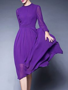 I love the bold color and simplicity of this dress. It makes it quite sophisticated yet fun.