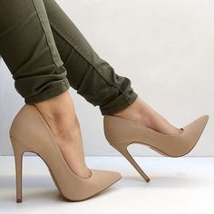 Nude highheel shoes www.ScarlettAvery.com