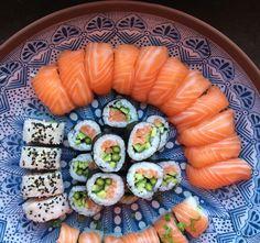 Homemade sushi #sushi #food #foodporn #japanese #Japan #dinner #sashimi #yummy #foodie #lunch #yum