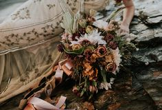 this-beachy-bridal-inspiration-has-a-moody-romantic-twist-allison-markova-photography-24