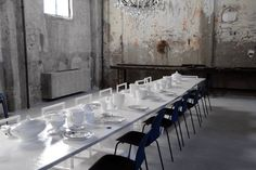 Housed beneath the cathedral-like ceilings of a sawmill is Carlo e Camilla in Segheria Milan is they city's most glamorous dining destination. Opening A Restaurant, Cafe Restaurant, Camilla, Milan Restaurants, Fine Dining, Dining Table, Dining Room, Café Bistro, Milan Hotel