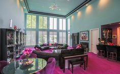 A listing for a mansion in Waterford, Michigan is going viral. The home sits on a lake, but the inside of the home is what has people talking. Crib For Sale, Michigan, Retro Interior Design, Light Colored Wood, Floor To Ceiling Windows, Interior Decorating, Home Decor, 1990s Style, Time Capsule