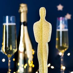 Oscar Party Statue Paper Cut Out Deco Cinema, Cinema Party, Movie Party, Hollywood Night, Hollywood Theme, Hollywood Birthday Parties, Kino Party, Party Mottos, Red Carpet Party