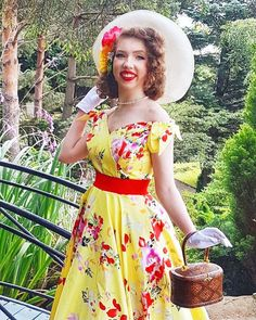 @OldHollywoodHeidi wearing The Pretty Dress Company #vintagestyle #vintage #pinupstyle #modernvintage #vintageclothes The Pretty Dress Company, Vintage Outfits, Vintage Fashion, Summer Dream, Pin Up Style, Pretty Dresses, Bows, How To Wear, Shopping