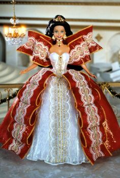 Looking for the Bob Mackie Le Papillon Barbie Doll? Immerse yourself in Barbie history by visiting the official Barbie Signature Gallery today! Barbie I, Barbie And Ken, Barbie Clothes, Barbie Gowns, Barbie Dolls For Sale, Barbie Torte, Happy Holidays Barbie, Christmas Barbie, Beanie Babies