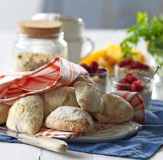 Recept: Nattjästa frukostfrallor à la ciabatta   Allas Recept