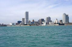 Lake Michigan / Downtown Milwaukee