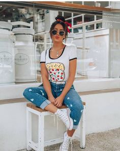 44 Best Fashion Outfits Ideas For Teen Girls That Will Trendy This Year - Teen fashion is a completely new segment that has created a rage in the fashion industry. The century teens have adopted extremely amazing fashio. Cute Poses For Pictures, Poses For Photos, Best Photo Poses, Picture Poses, Pinterest Mode, Outfits For Teens, Casual Outfits, Teen Fashion, Fashion Outfits