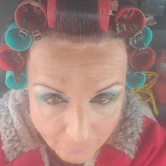 Rollers, Short Hair Styles, Hair Beauty, Earrings, Fashion, Bob Styles, Ear Rings, Moda, Stud Earrings