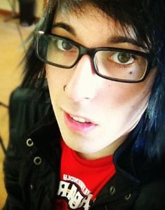 Destery Moore. Capndesdes I don't know why but he kinda reminds me of Ronnie radke. He's hilarious though