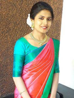 Silk saree blouse n d Indian Silk Sarees, Soft Silk Sarees, Bridal Silk Saree, Kerala Saree, Engagement Saree, Engagement Dresses, Indian Dresses, Indian Outfits, Silk Saree Kanchipuram