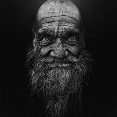 This post showcase stunning black and white portraits of homeless people taken by Lee Jeffries. He started taking homeless people photos when he met a young Lee Jeffries, People Photography, Street Photography, Portrait Photography, Dance Photography, Black And White Portraits, Black And White Photography, Old Faces, Photo D Art