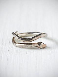 e.m. noir Silver Snake Ring