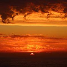 Cape Nelson sunset #iloveportland#portlandoz#capenelsonlighthouse#capenelson#sunset by pigpainter