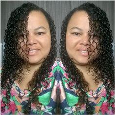 As sextas feiras são como beijos da pessoa amada:Quando começam você não quer que termine e quando terminam você mal pode espera pela próxima!Ótima sexta amores 💋#itgirlsbrazil #nomake #caralavada #cachos #cabelo #hair #smile #sexta #fdschegando #vidareal #vidadeblogueira #love #follow #me #curly #morning #bonjour #bomdia 💓