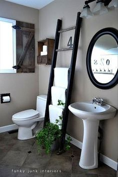 11 Clever Hacks For Your Teeny Tiny Bathroom (PHOTOS)