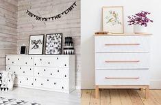 Transformer un meuble ikea est le jeu préféré des IKEA hackers. Je vous propose leurs meilleurs solutions pour personnaliser une commode MALM.