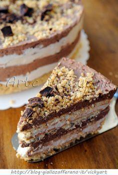 Torta di biscotti al cioccolato e caffe fredda
