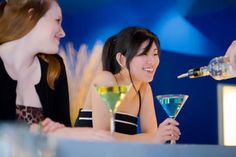 Nightlife in Chicago. Guide to top clubs in downtown, latin nightclubs, yacht clubs. Chicago weekend nightlife for under and over Chicago Tours, Chicago Chicago, Night Club, Night Life, Lake Michigan, Island, Activities, Vip, Entrance