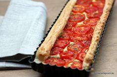 Blätterteig-Tarte mit confierten Tomaten auf Pesto von confierten Zucchini    http://schoenertagnoch.blogspot.de/2012/07/nachgekocht-blatterteig-tarte-mit.html