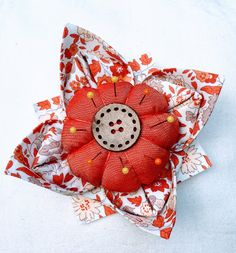 Knotted Cotton: How to make a Fabric Origami Lotus Flower Pincushion Fabric Origami, Origami Box, Origami Lotus Flower, Cushion Tutorial, Origami Design, Origami Instructions, Fabric Manipulation, Sewing Projects For Beginners, Hand Quilting