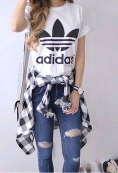 Look by @ylek with #bershka #adidas #jeans #shirts #tshirts #looks.