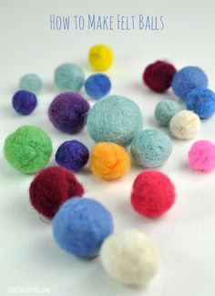 Make your own colored felt balls from Chica Circle #tutorial #felting #howto