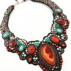 #beadembroidery #beadedjewelry #beadednecklace #mydesign #workinprogress…