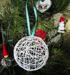 Bolinha de barbante - enfeite para a árvore de natal | Revista Artesanato